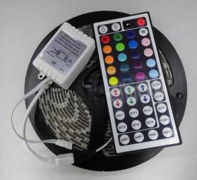 5m LED RGB Strip Set 5050 wasserdicht mit 44 Tasten Fernbedienung
